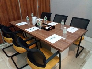 photo of Meeting Room 1 di LeGreen Suite Penjernihan 5 3