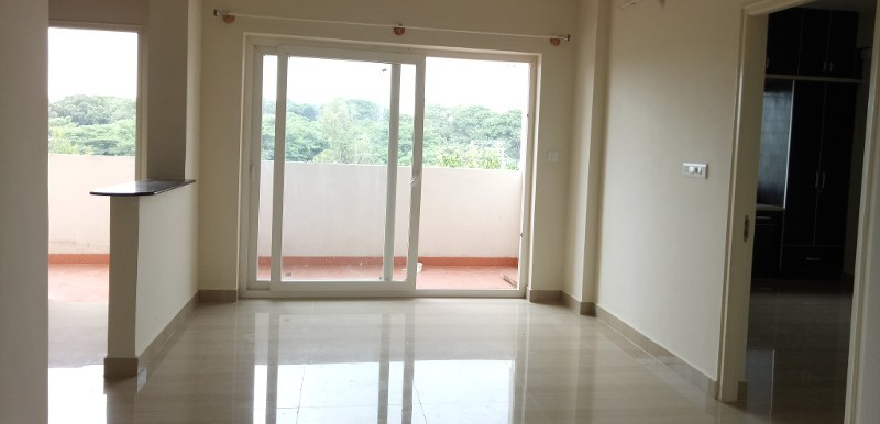 2 BHK Flat for Rent in Mahaveer Willet, Whitefield - Photo 0