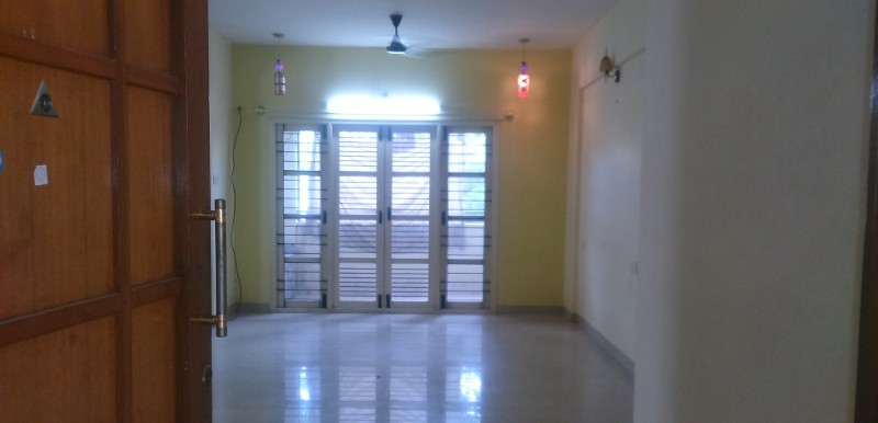 3 BHK Flat for Rent in Suraksha Elegance Apartments, Bommanahalli - Photo 0