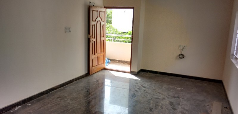 2 BHK Flat for Rent in Ravi Mansion, Kasturi Nagar - Photo 0