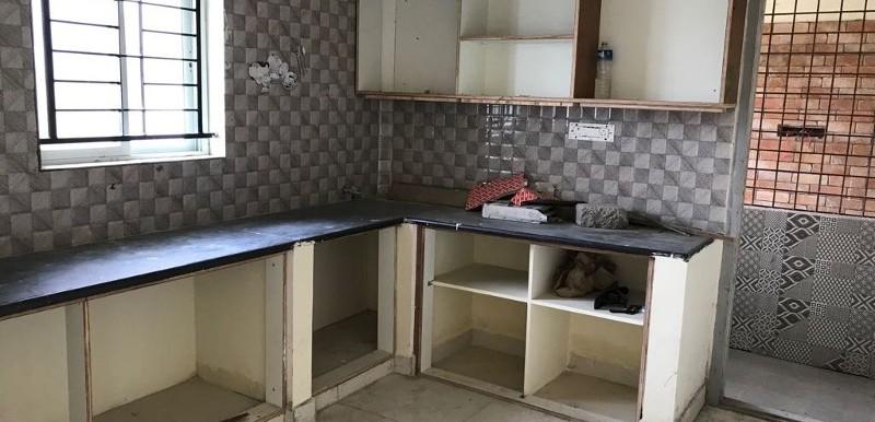 2 BHK Flat for Rent in SLV Nilaya(yemlur), Marathahalli - Photo 0