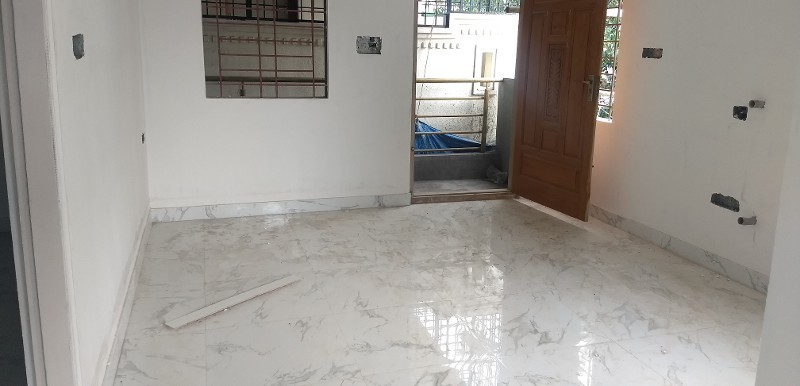 2 BHK Flat for Rent in Building No.75, Haralur Road - Photo 0