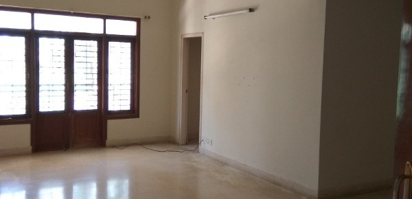 3 BHK Flat for Rent in Prestige Langleigh, Whitefield - Photo 0