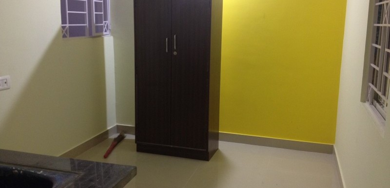 1 BHK Flat for Rent in Veda Lakshmi Nilaya, Adugodi - Photo 0