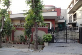 PG&Hostel - Budget PG for Girls in Sector 31 in Sector 31, Noida, Uttar Pradesh, India