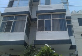 PG&Hostel - Aura Suites for Professionals in Sector 52 in Sector 52, Gurgaon, Haryana, India