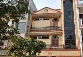 PG&Hostel - Accommodation for Girls in Sector 27 in Sector 27, Noida, Uttar Pradesh, India