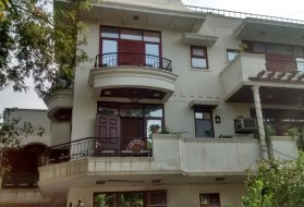 PG&Hostel - Varah PG for Boys in DLF Phase 2 in DLF Phase 2, Gurgaon, Haryana, India