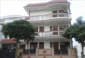 PG&Hostel - A-Grade Unisex PG in South City I in South City- 1, Gurgaon, Haryana, India