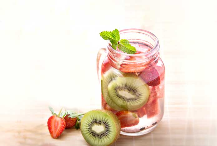 Strawberry and kiwi detox water recipe
