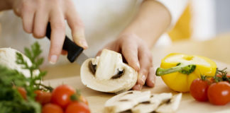 Being Vegetarian – Does It Help in Weight Loss