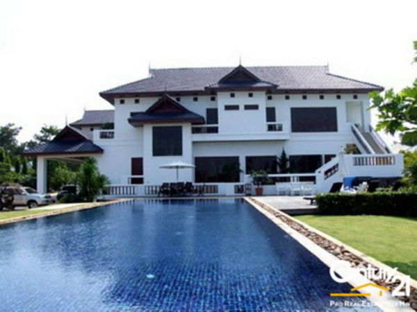 Grand Luxury Pool Villa On Golf Course : Reduced by 47% : SOLD APRIL 2015
