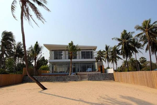 Absolute Beachfront Pool Villa + 3 Bed Villa
