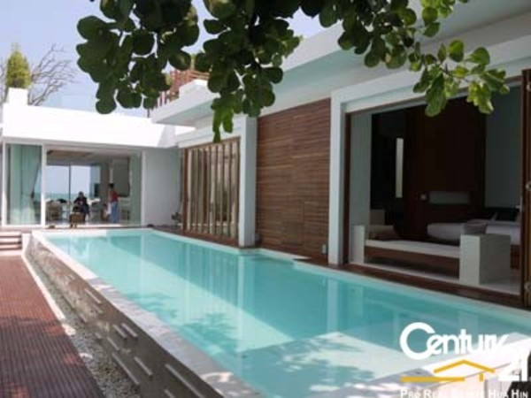 6 Bed Absolute Beachfront Villa in Hua Hin