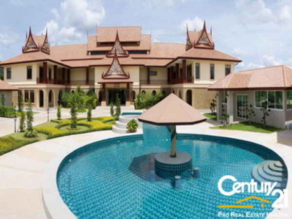 Grand Thai Mansion in Hua Hin : Reduced by 10% in May 2015