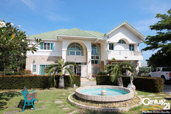 Grand Thai Style Mansion on Large Plot - Cha-Am