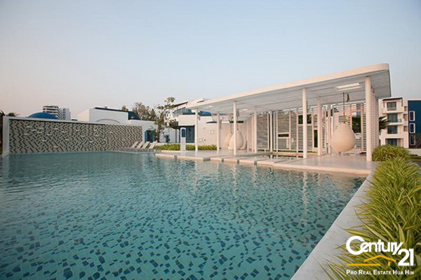 Beautiful Modern Beachfront 3 bed Pool Villa