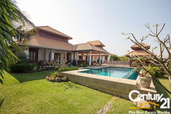 Luxury 4 Bed Pool Villa On Large Land