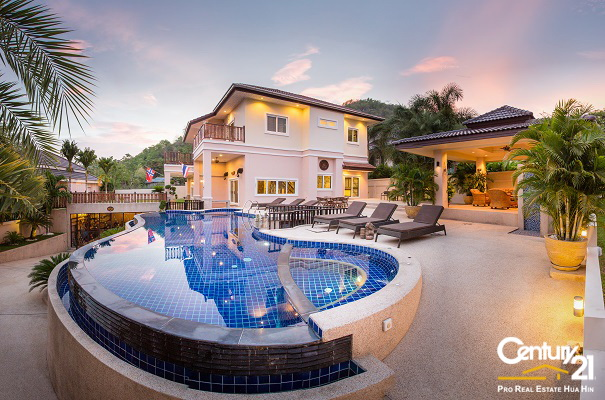 Quality 2 Storey 5 Bed Pool Villa