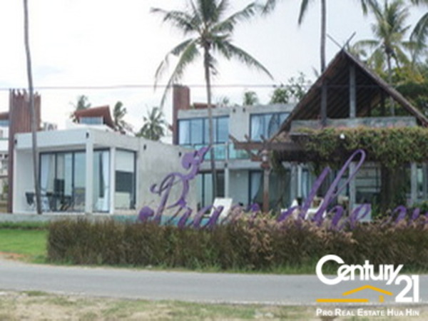 Beachfront 2 Storey 5 Bed Pool Villa