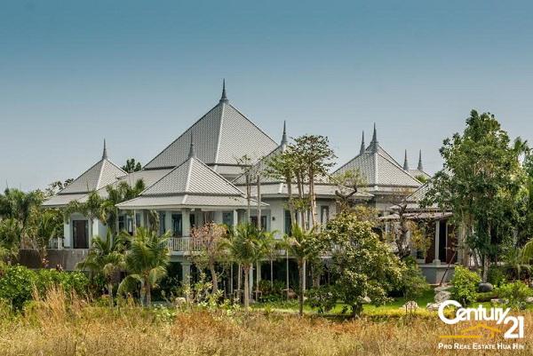 Outstanding Luxury 6 Pool Villa on Golf Course