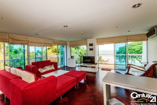 3 Bed Beachfront Condo