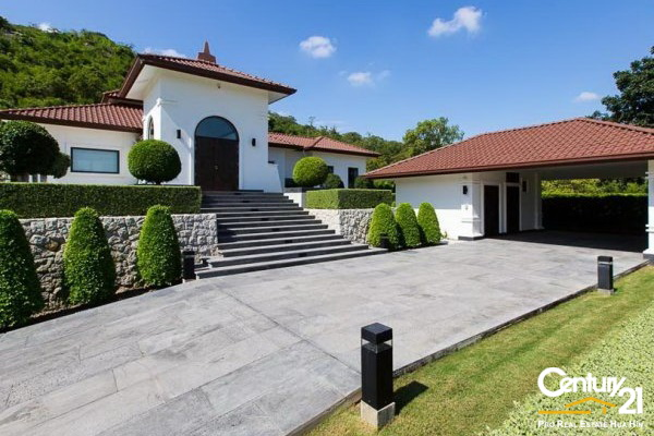 Amazing Family 6 Bed Pool Villa