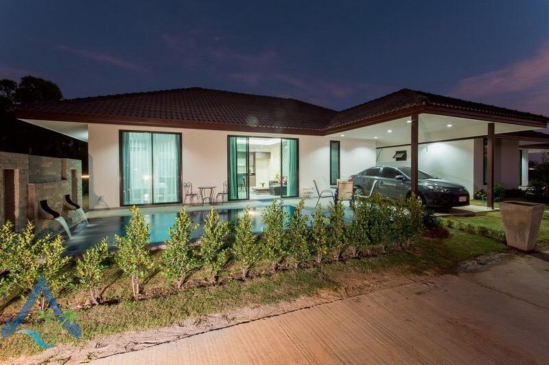 Immobilier tha lande maisons neuves a vendre hua hin for Piscine 3x6 prix