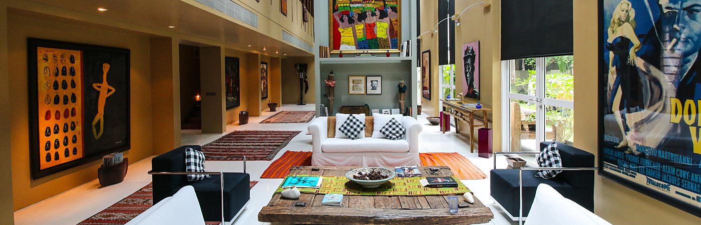 Suburbia Meets the City in Bangkok - An Award-Winning Designer Villa