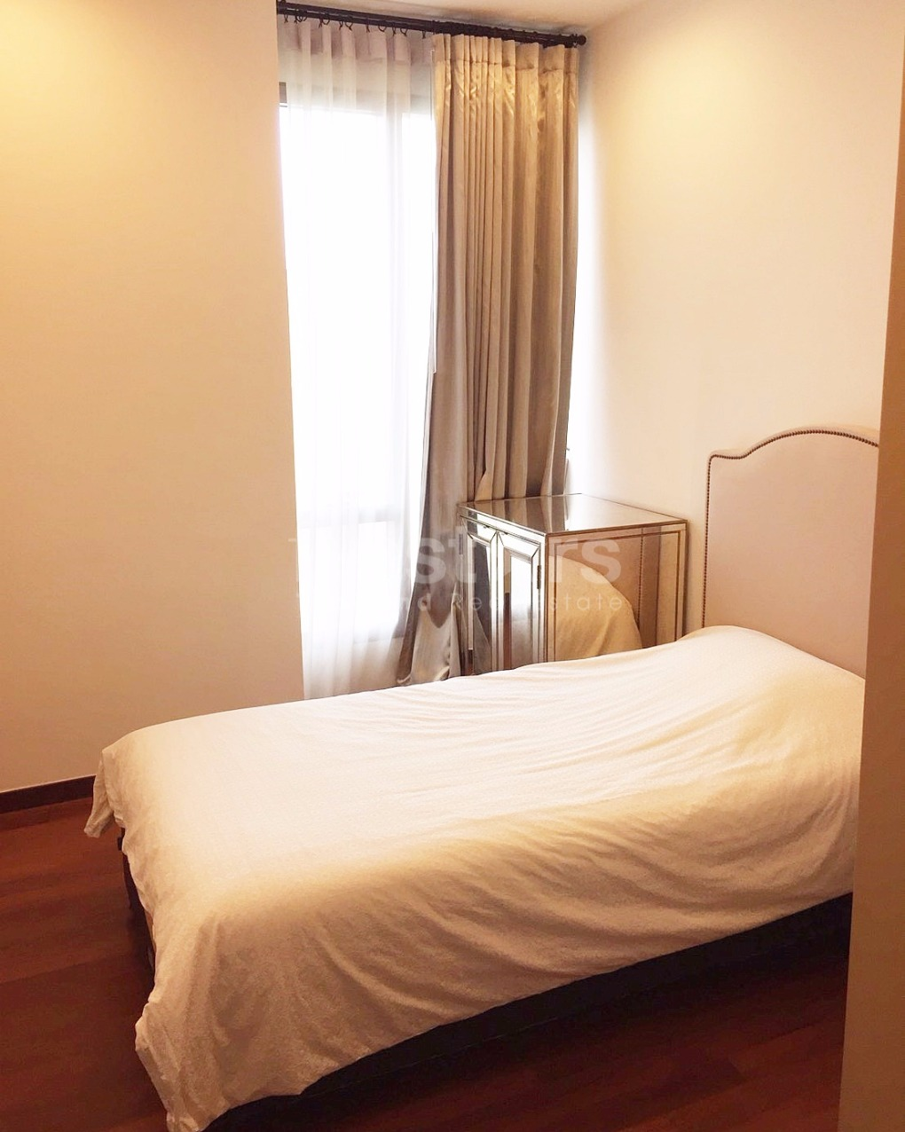 Beautiful 2 bedroom apartment with nice view only a few for Beautiful bedroom pictures only